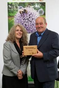 Dennis Wilkinson and Diana Cupitt collect their award for their Community entry to the RHS 'The Big Wildlife Garden' competition. photo: Andy Paradise